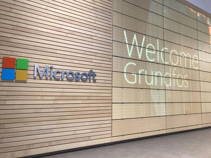 マイクロソフト本社施設の入り口の様子